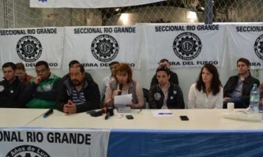 Masivo respaldo a la marcha de la UOM de Tierra del Fuego en defensa de la industria
