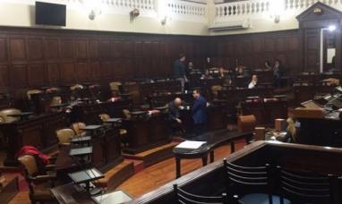 Mendoza: Proyecto propone bajarles el sueldo a los legisladores que falten a las sesiones