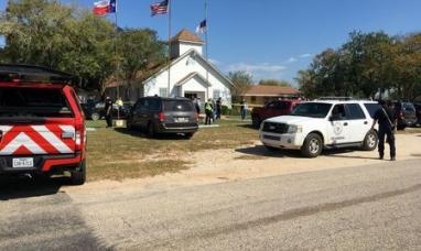 EE.UU.: Al menos 27 muertos y docenas de heridos deja el tiroteo en iglesia de Texas
