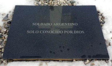 Miembros del equipo argentino de antropología forense se suman a la identificación de tumbas en Malvinas