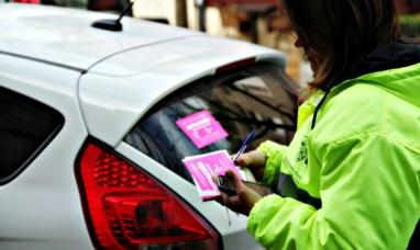 La plata: Los controladores de estacionamiento medido ahora podrán hacer todo tipo de multas
