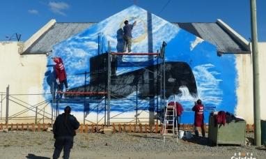 Santa Cruz: Presos pintan mural en homenaje al ARA San Juan