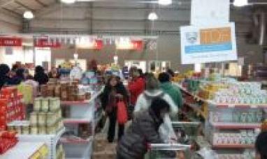 Tierra del Fuego: Más de 2000 bolsones vendidos en feria popular