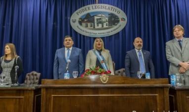 """Tierra del Fuego: """"En cinco años seremos una de las provincias más prósperas de la Argentina"""" dijo la gobernadora en la apertura de sesiones de la legislatura"""