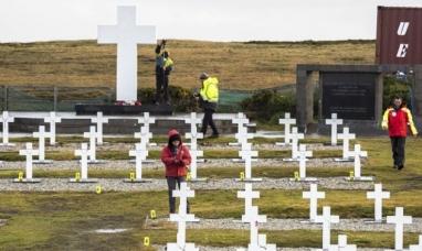 Tierra del Fuego: Ya fueron exhumados 21 cuerpos en el cementerio de Darwin en Malvinas