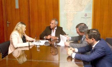 Tierra del Fuego: La gobernadora acordó con el gobierno nacional préstamo por 300 millones de pesos