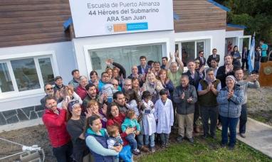"""Tierra del Fuego: La gobernadora inauguró la escuela """"44 Héroes del submarino ARA San Juan"""""""