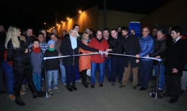 Tierra del Fuego: La gobernadora inauguró la rotonda del barrio chacra XIII y obras de pavimento en el parque industrial