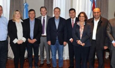 Tierra del Fuego: La gobernadora participó de un encuentro clave de gobernadores peronistas para reorganizar al PJ