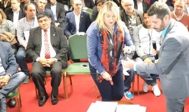Tierra del Fuego: La gobernadora viajó a Buenos Aires con el respaldo de la dirigencia política, sindical y empresaria