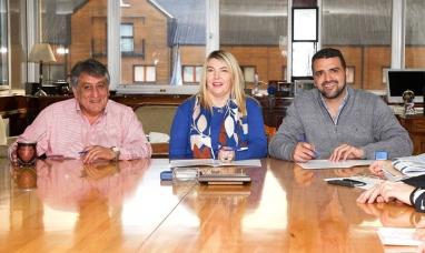 Tierra del Fuego: El gobierno acordó el consenso fiscal con los municipios de Ushuaia y Tolhuin