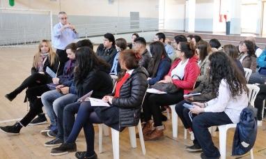 Tierra del Fuego: Gobierno capacitó a jóvenes y fiscales de mesa