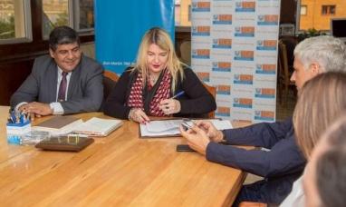 Tierra del Fuego: El gobierno firmó un acuerdo de precios con librerías de toda la provincia