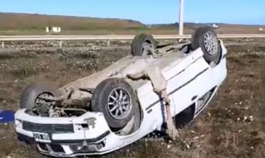 Tierra del Fuego: En Río Grande a primeras horas de ayer volcó vehículo importado con cuatro jóvenes