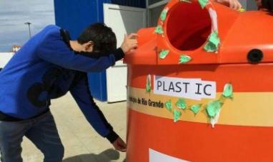 Tierra del Fuego: Se instaló en Río Grande el primer iglú de reciclado en inglés