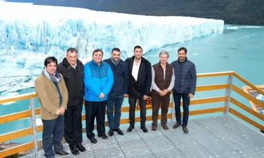 Tierra del Fuego: Intendente de Ushuaia firmó convenio de promoción turística