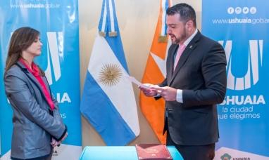 Tierra del Fuego: El intendente de Ushuaia tomó juramento a la nueva integrante de la sindicatura municipal