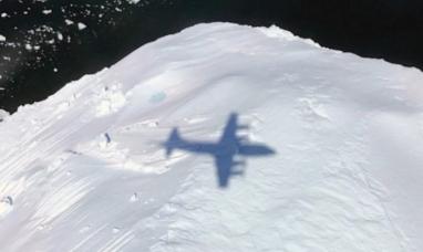 Tierra del Fuego: Investigador del CADIC participó en sobrevuelo antártico a bordo de avión de la NASA