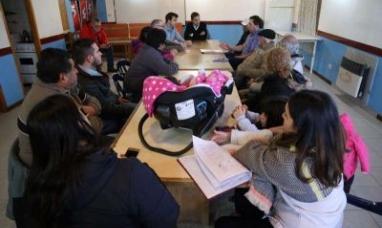 Tierra del Fuego: Legislador en campaña se acordó de un barrio en Río Grande