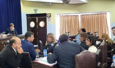 Tierra del Fuego: Llamado de atención de la legislatura para el ejecutivo