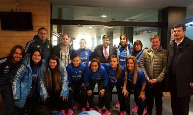 Tierra del Fuego: Llegó el seleccionado nacional femenino de fútbol de salón para disputar dos partidos amistosos
