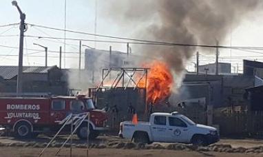 Tierra del Fuego: Muere anciano en Río Grande producto del incendio en su precaria vivienda