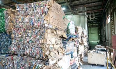 Tierra del Fuego: La municipalidad de Ushuaia ya envió casi 60 toneladas de plástico al continente