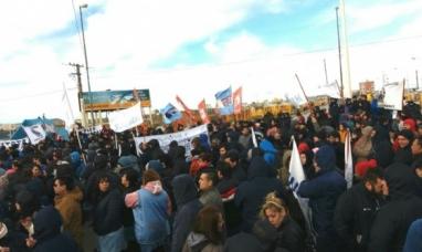 Tierra del Fuego: Nutrido acto de la multisectorial en Río Grande