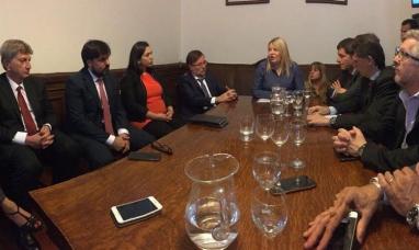 Tierra del Fuego: Tras reunirse con diputados y senadores del PJ, la gobernadora será recibida por el presidente en casa rosada