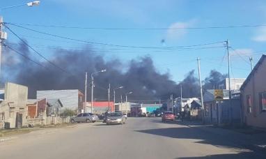 Tierra del Fuego: Una empresa de transporte efectuó una quema de residuos y puso en alerta a toda la ciudad