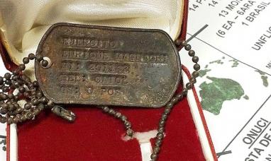 Tierra del Fuego: Veterano de Malvinas recuperó su placa identificativa que guardaba un oficial inglés