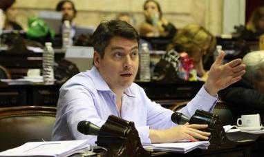 """Tierra del Fuego: """"La vuelta al fondo monetario internacional significa más ajuste"""", dijo el diputado Martín Pérez"""
